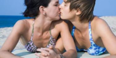 Men Say Girl-On-Girl Kissing Counts As Cheating