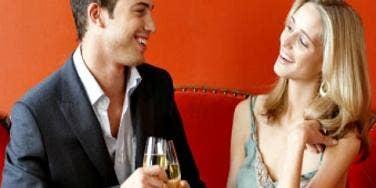 Flirting With Strangers: 3 Ways To Break The Ice [EXPERT]