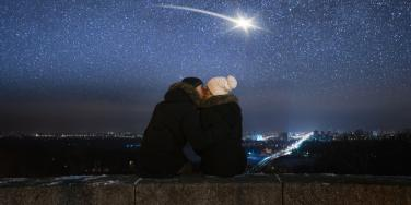 3 Zodiac Signs Who Meet Someone New During The Moon Sextile Uranus Starting October 16, 2021