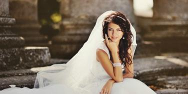 Women Who Are Obsessed With Weddings & Marriage [VIDEO]