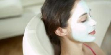 woman with mud mask