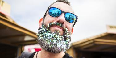 Men Are Covering Their Beards In Glitter Cause Life Is Good