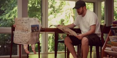 dad-baby-newspaper