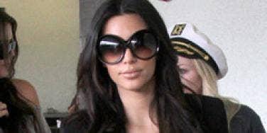 kim kardashian big sunglasses worst fashion trend 2010 zoosk