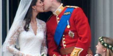 Prince William Kate Middleton balcony kiss