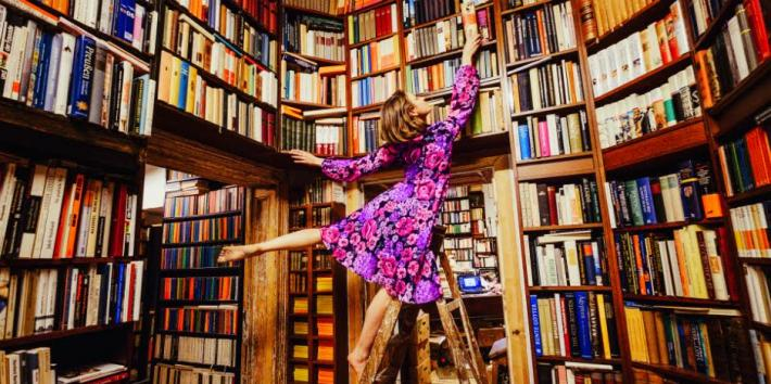 15 Best Gifts For Book Lovers 2020