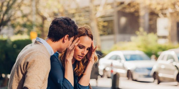 8 Glaring Signs You're In An Unhappy Marriage (& Headed For Divorce)