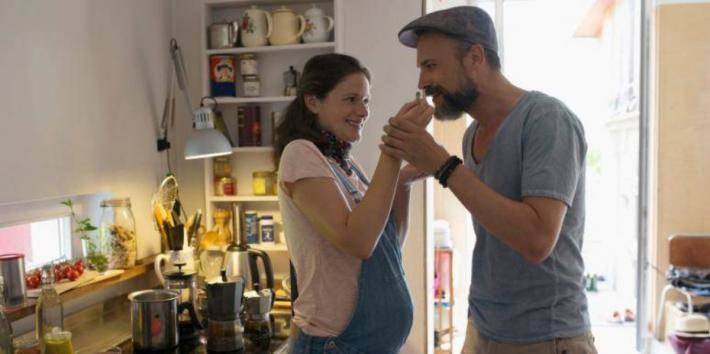 5 Smart Discussions Fathers-To-Be Need To Have With Their Partners Before Baby