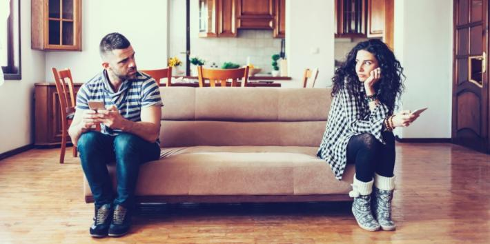 7 Relationship Red Flags That Mean It's Time To Break Up