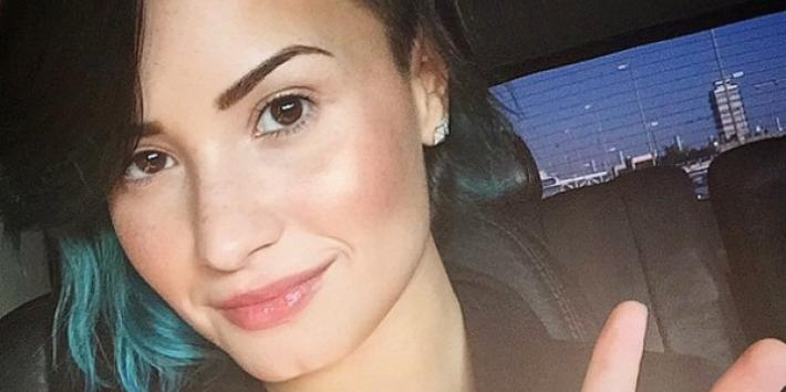 Demi Lovato Peace Sign Instagram
