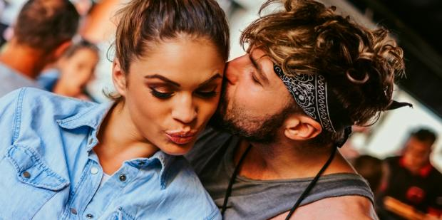 15 Crazy Facts About Kissing We Bet You Didn't Know