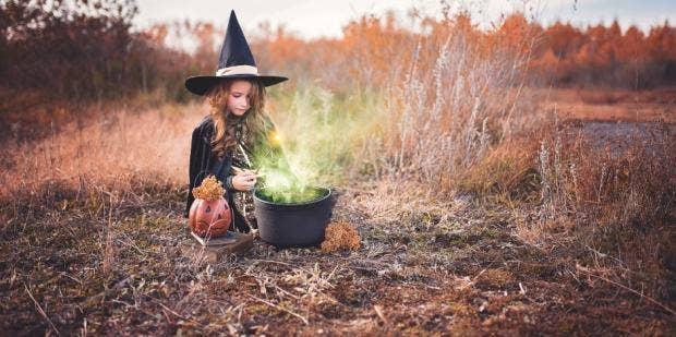 14 Matching Mother-Daughter Halloween Costume Ideas