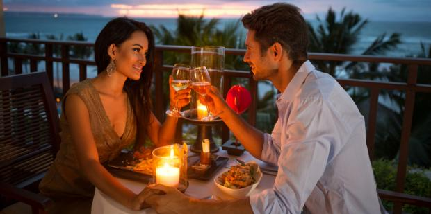 Photo of Why You Need To Stop Treating A Date Like A Marriage Proposal