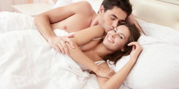 Секс в первый раз видео рнлайн