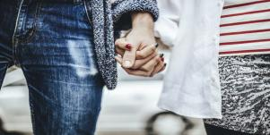 Why Couples in Love Complete Each Other's Sentences