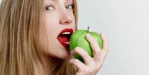 apple eating