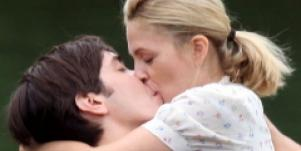 Drew Barrymore Chucks Justin Long From Home