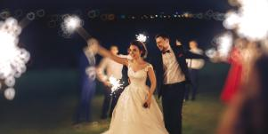 How To Harness The Powerful Lunar Magic Of The Moon Phase Closest To Your Wedding Ceremony, According To Astrology