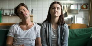 15 Personality Traits Of Emotionally Unavailable Men & Women In Relationships