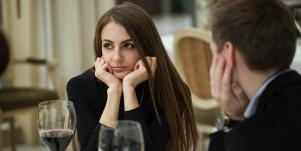 How To Get Out Of A Bad Date In 60 Seconds