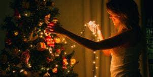 "Jewish Girl Seeks ""Goyfriend"" for Christmas"