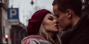 3 Reasons Why Communication is Vital For Sex & Intimacy In Healthy Relationships