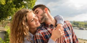 Signs Of A Healthy Relationship Based On Your Thoughts & Feelings About Your Partner