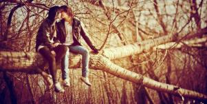 couple on tree