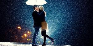 couple-under-umbrella