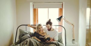 7 Essential Tips For Couples To Maintain Productivity While Working From Home Together