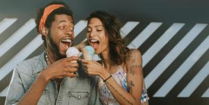 12 Best Signs Of A Happy Couple