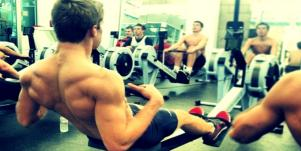 How To Talk To A Hot Guy At The Gym