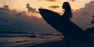 woman going surfing