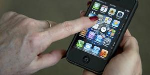 Why Your iPhone Is Ruining Your Relationships [EXPERT]