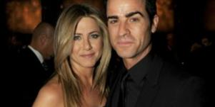 """Justin Theroux """"Happy"""" With Jennifer Aniston & Their New Puppy!"""