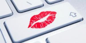 Kiss keyboard