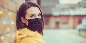 woman wearing a face mask outside