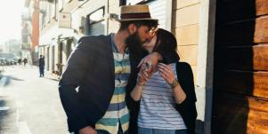 3 Sensual Ways To Kiss Like You DAMN WELL Mean It