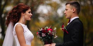 Why Marrying Before 30 Is Basically Gambling With Your Future