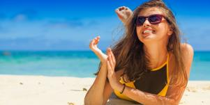Does Powder Sunscreen Work? 10 SPF Powders To Protect Your Skin