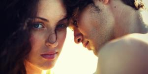 Signs Of Psychological Abuse & Emotional Blackmail In Toxic Relationships