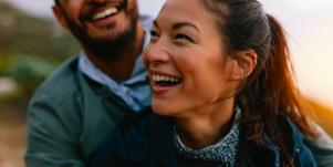 Feeling Lonely In Your Relationship? 6 Sweet Ways To Reconnect