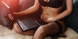 7 Reddit Sex Workers Reveal Stories of Loneliness