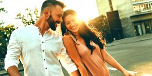 11 Things Guys Say Or Text That Are Signs He Likes You