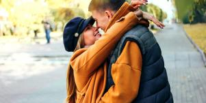 11 Sure Signs He Loves You