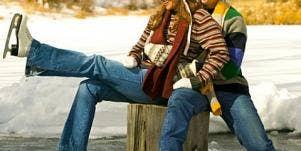 12 Romantic Holiday Date Ideas [EXPERT]