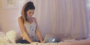 zoella on computer