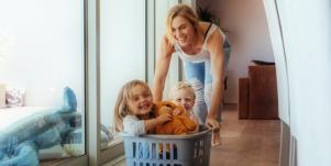 Parenting Advice For How To Deal With Guilt When You're A Working Mom With A Career