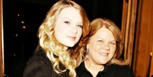 taylor swift and mom andrea groping trial