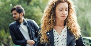 woman walking away from walking away from emotionally unavailable man